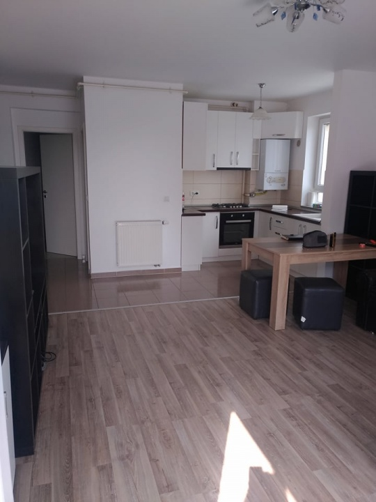 Inchiriez apartament 3 camere, Avantgarden 3