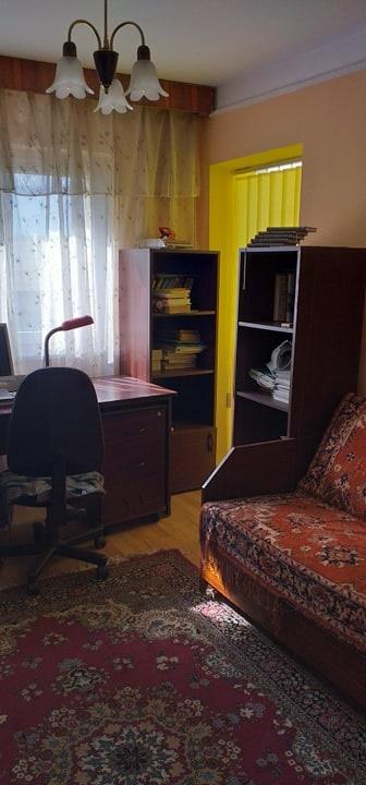 Apartament 4 camere, Tractorul