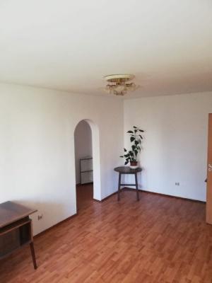 Vand apartament 2 camere, Str. Harmanului