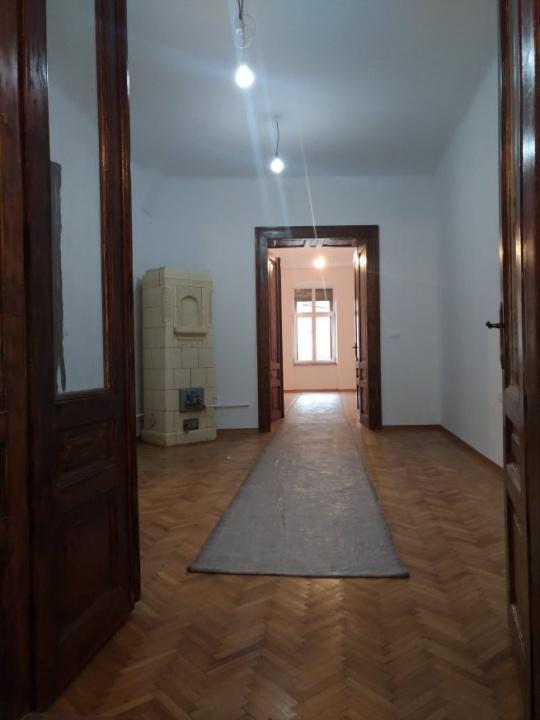 Apartament 3 camere, Centrul Istoric
