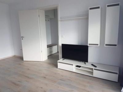 Vand apartament 2 camere bloc nou, zona Coresi