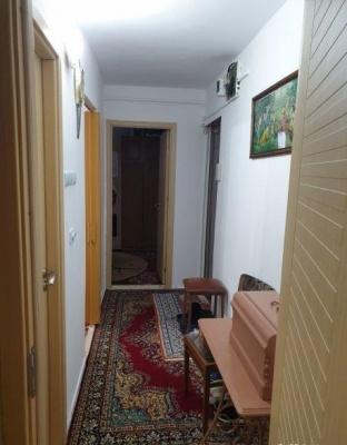 Vand apartament 3 camere, zona Astra