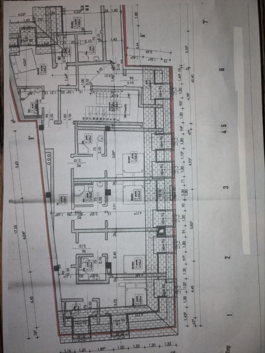 Inchiriez 10 camere, in aceeasi cladire, in Centrul ISTORIC