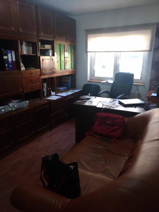 Vand apartament 2 camere / spatiu comercial Racadau