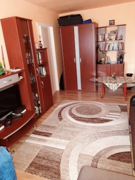 Vand apartament 2 camere, cartier Astra, zona Saturn
