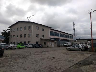 Poza proprietate Inchirierz cladire de birouri si hale industriale  - Calea Feldioarei