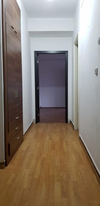 Inchiriez apartament 3 camere, 15 Noiembrie