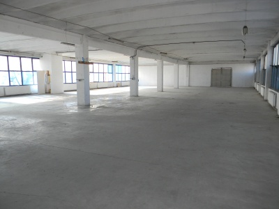 Inchirierz hale industriale si cladire de birouri - Calea Feldioarei