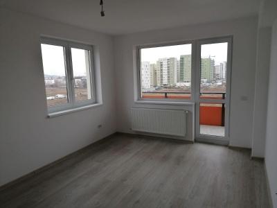 Inchiriez apartament 2 camere cartier Tractorul, bloc nou