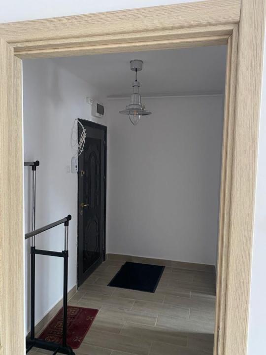 Inchiriez apartament 2 camere, Garii