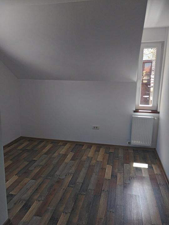 Inchiriez apartament 3 camere, Str. Bisericii Romane