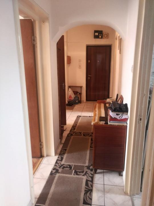 Apartament 3 camere, Astra