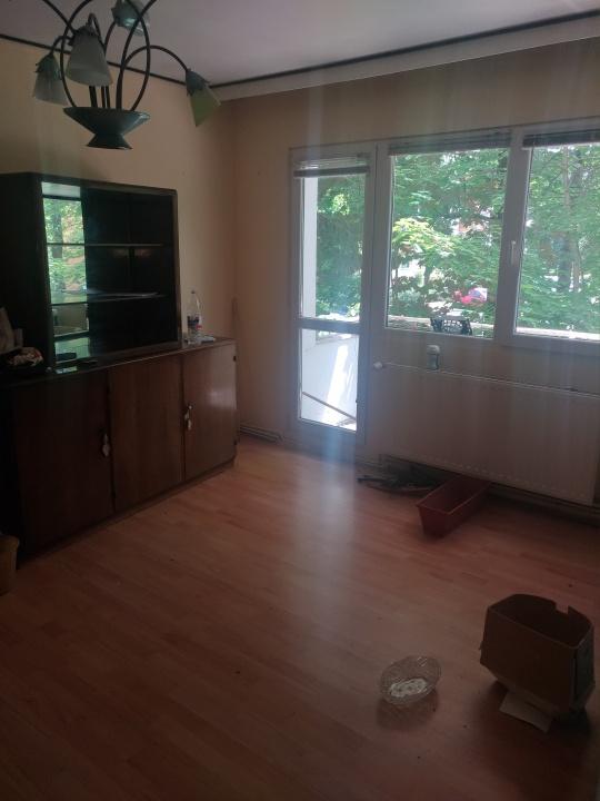 Vand apartament 3 camere, Astra